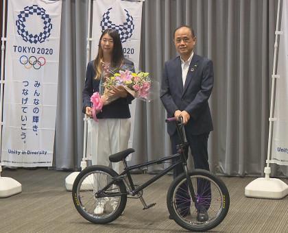 自転車競技BMX日本代表の大池選手が岡山市を表敬訪問