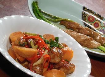 和子おばあちゃんの柿と鶏肉の炒め物