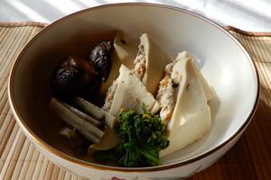 「佐代子おばあちゃんの高野豆腐の含め煮」